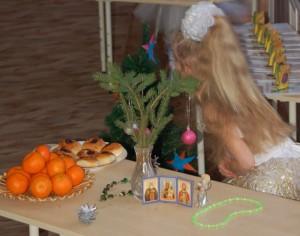 Столы в Рождественскую сказку превращаются.
