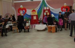 Отзвучали последние аккорды на выставке, и юбилей переместился на сцену