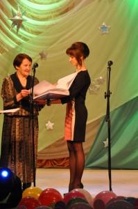 Право открыть Книгу Памяти  предоставляется  первой выпускнице детского сада  №1 Шабета Нине Макаровне