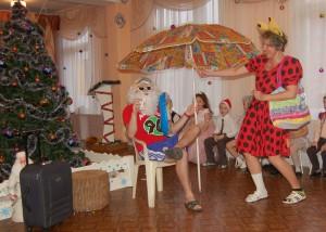 Дед Мороз   - Ничего не знаю про Новый год! Не хочу никаких подарков, не хочу праздников. Мне вот тетенька билет в Африку подарила.