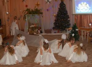 1 ангел - Я вам посланье от Бога принес: Радуйтесь, ныне родился Христос!