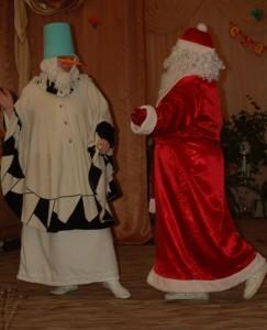 Дед Мороз – Плыл по садику запах мимозы. До чего ты сегодня красива.