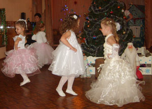 Платья развеваются, Куклы улыбаются! Танец «Куколки»