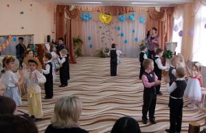 """Танец """"Мишка с куклой"""""""