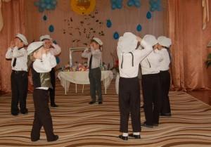 Пусть станцуют для нас от души, Наши мальчишки так хороши!  Матросский танец