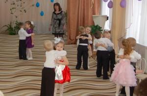 Танец «Подружимся-покружимся»