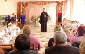 Поздравление и проповедь священника