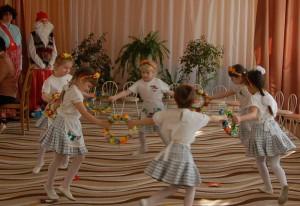 Д. Каминский - Танец с веночками. «Радость»