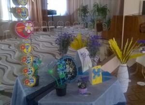 """На выставке подарков группе """"Василек"""""""