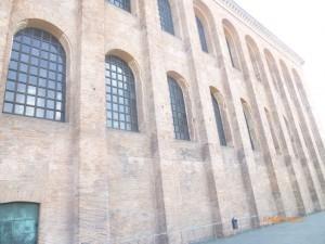 Самый известный римский памятник Трира — базилика императора Константина (Aula Palatina), который сохранился наших дней. Здание, сооруженное Константином Великим как судебный зал и крытый рынок, имеет длину 73 м, ширину 28 м и высоту 30 м.