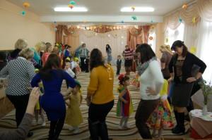 «Танец с мамами»