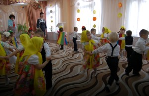 Танец «Поплясать становись»