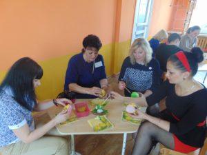 Мастер-класс проводит воспитатель дошкольного образования Авралева Анна Анатольевна