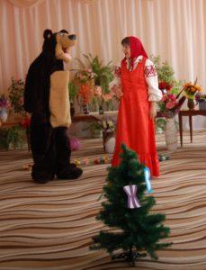 Медведь – А для чего нужны буквы? (ответы детей) Ведущий - Да, для того, чтобы составлять слова. Медведь – Ой, как интересно!
