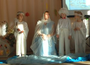 Ангел 1 - Кто там? Богородица - Там? Там человек.